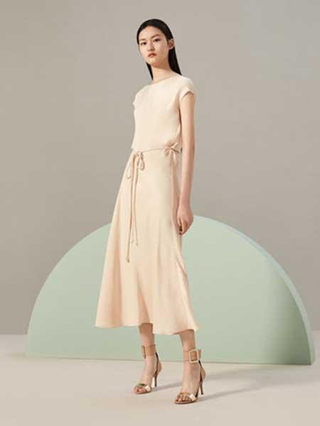 OVV女装品牌2019春夏新款简洁时尚圆领无袖收腰连衣裙
