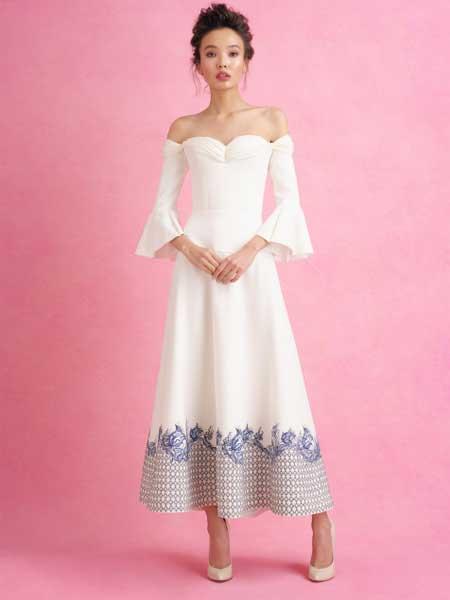 Iris van Herpen艾里斯・范・荷本女装品牌2019春夏新款修身一字肩甜美宴会晚礼服