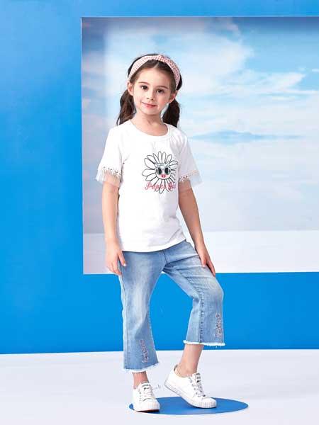 小猪班纳:演绎缤纷的七彩童年  创造美丽的儿童世界