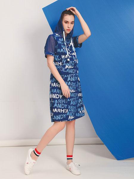 娅铂・周末女装品牌2019春夏新款短袖薄款天丝V领过膝印花连衣裙