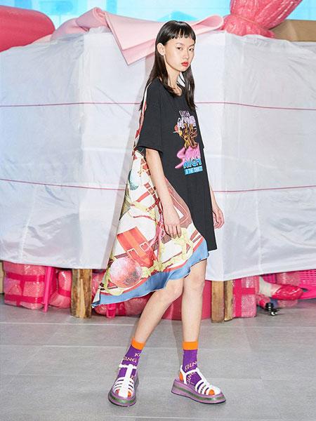 乌丫女装品牌2019春夏时髦T恤拼接丝巾式休闲连衣裙