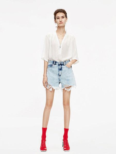 MO&Co.摩安珂女装品牌2019春夏气质宽松百搭短衬衫喇叭