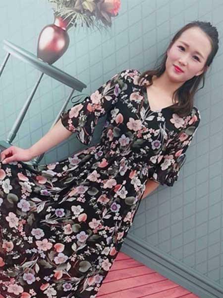 格蕾斯女装品牌2019春夏新款印花雪纺V领喇叭袖大码连衣裙大摆裙