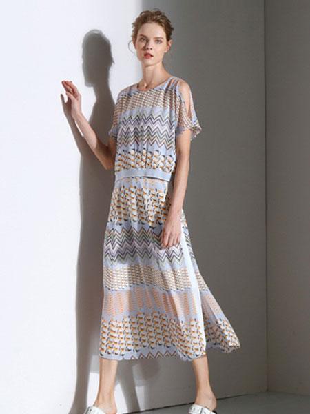 雾道女装品牌2019春夏新款真丝圆领短袖印花桑蚕丝衬衫上衣