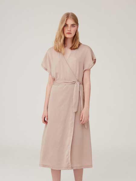 Enrico Coveri女装品牌2019春夏新款中长款韩版收腰显瘦气质a字裙子雪纺连衣裙