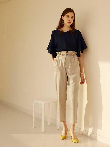 GU女装品牌2019春夏新款短袖气质显瘦衬衫九分休闲裤两件套洋气