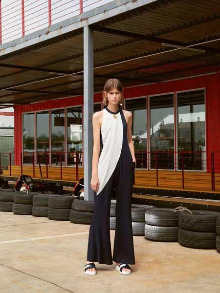 V.Charm女装      艺术与商业的融合