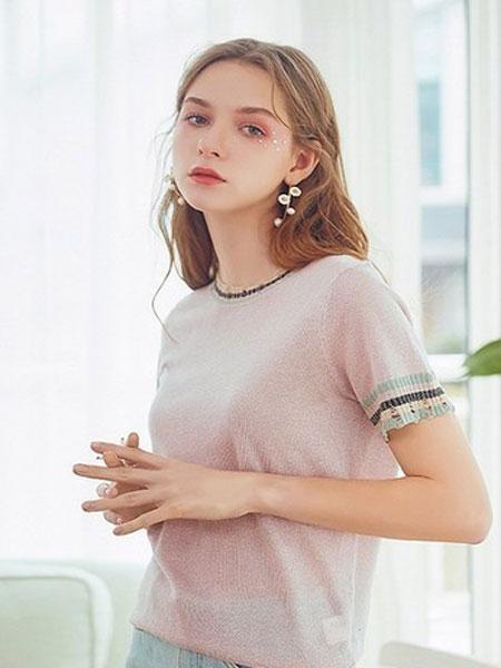 武汉爱弗瑞服饰女装品牌2019春夏新款韩版时尚圆领t恤百搭上衣薄款