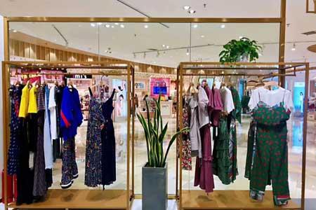 衣全球品牌店铺展示
