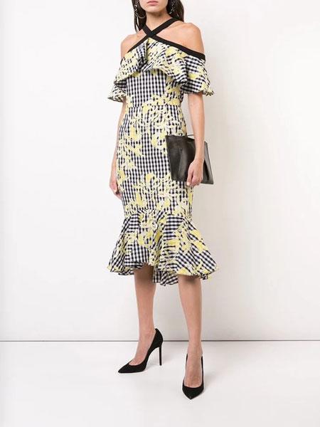Christian Siriano克里斯蒂安·西里亚诺女装品牌2019春夏新款露肩收腰显瘦印花连衣裙