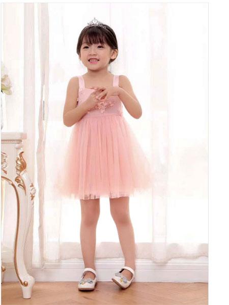 快乐精灵童装,坚持以个性的款式给孩子优雅的童年