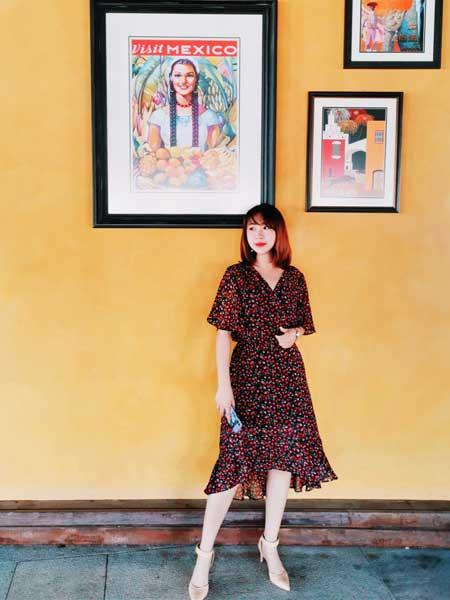 CARING PARK女装品牌2019春夏新款韩版v领系带荷叶边中长款碎花连衣裙