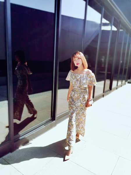 CARING PARK女装品牌2019春夏新款韩版时尚显瘦洋气雪纺印花一字肩连体裤
