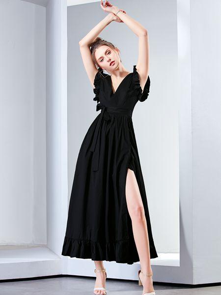 为什么那么多的女明星喜爱裙子  尼赫菲来告诉你