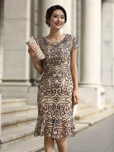东方贵族女装品牌2019春夏新款刺绣圆领收腰显瘦淑女气质鱼尾裙