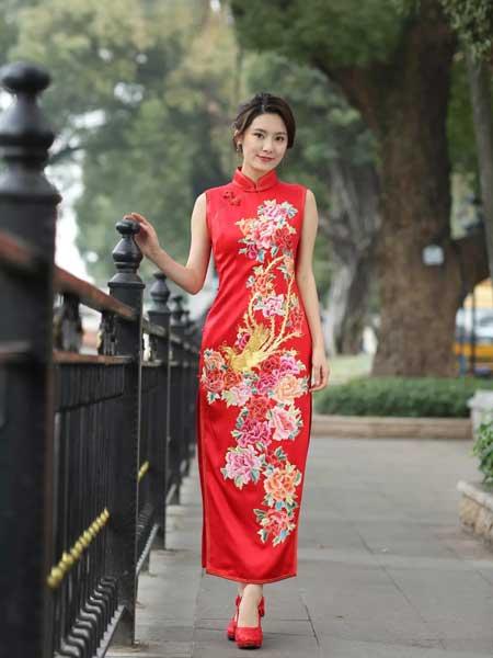 东方贵族女装品牌2019春夏新款复古中式礼服红色旗袍裙