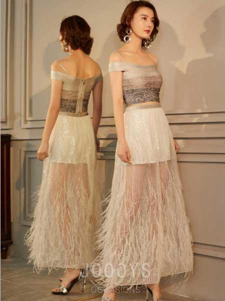 香港詩嘉麗(企業)有限公司女装品牌2019春夏新款一字领小上衣羽毛亮片纱半身裙