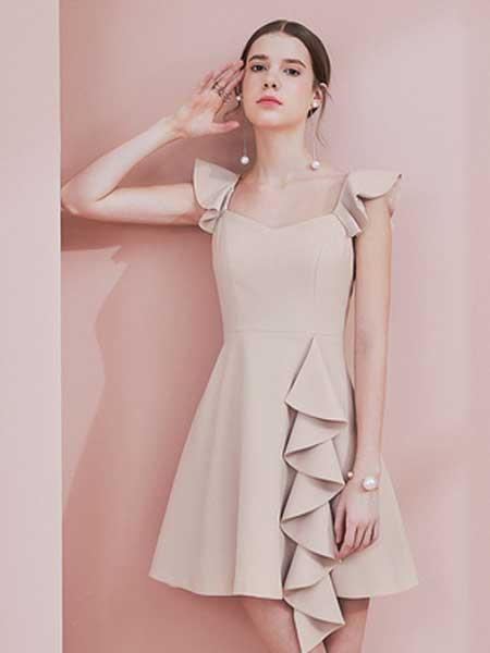 糖力潮品(TAMMYTANGS)女装品牌2019春夏新款裸粉色v领荷叶小飞袖连衣裙荷叶搭片a字裙裙子