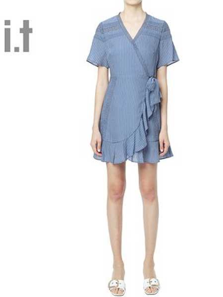 I.T休闲品牌2019春夏新款休闲气质条纹系带收腰显瘦短袖连衣裙