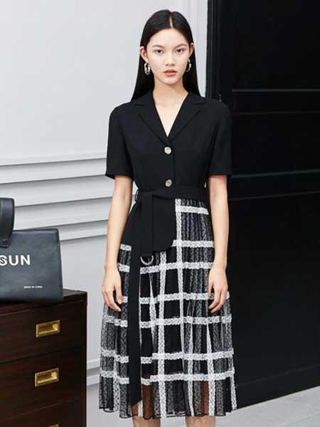 衣一豪美女装品牌2019春夏新款西装网纱条纹拼接假两件百褶裙连衣裙