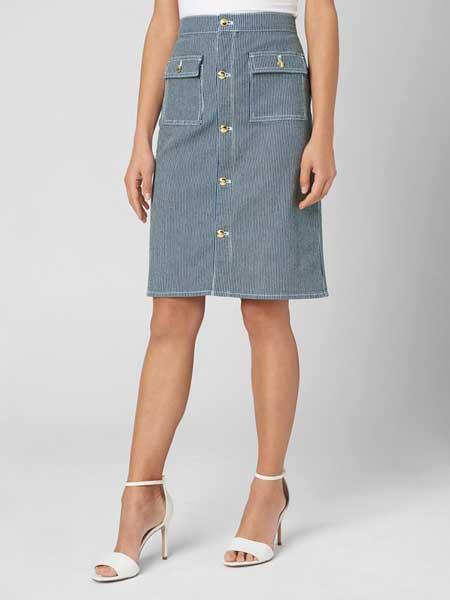 Juicy Couture橘滋女装品牌2019春夏新款时尚气质条纹纽扣设计牛仔半身裙中裙