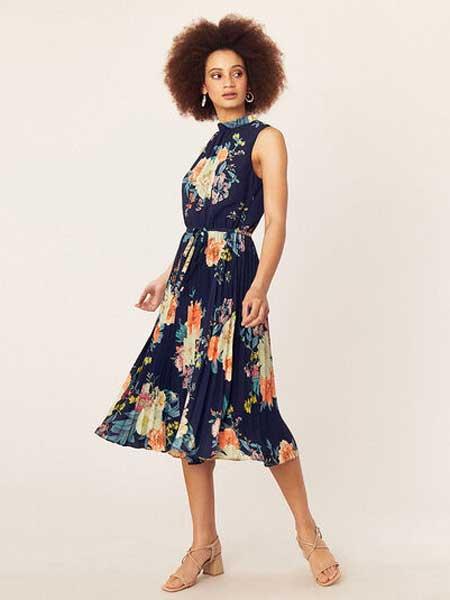 绿洲女装品牌2019春夏新款时尚复古大码无袖印花中长款连衣裙