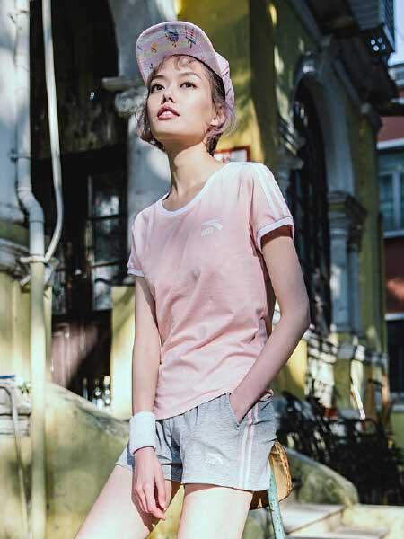 安踏休闲品牌2019春夏新款潮流落肩宽松版运动短袖T恤