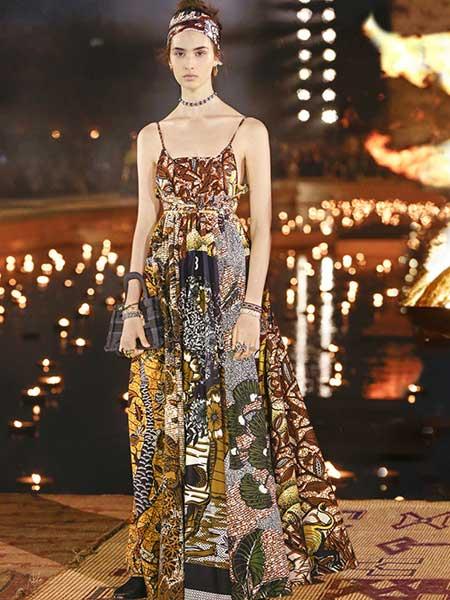 Dior迪奥女装品牌2019春夏新款高腰宽松雪纺吊带连衣裙