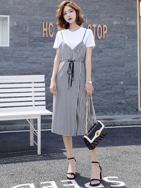Ohmeygic欧美琪女装品牌2019春夏新款套装t恤中长款吊带裙两件套白色格子连衣裙