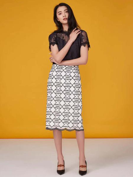 播写女装品牌2019春夏新款时尚气质白色柔软镂空蕾丝中长款裙子修身显瘦百搭半身裙