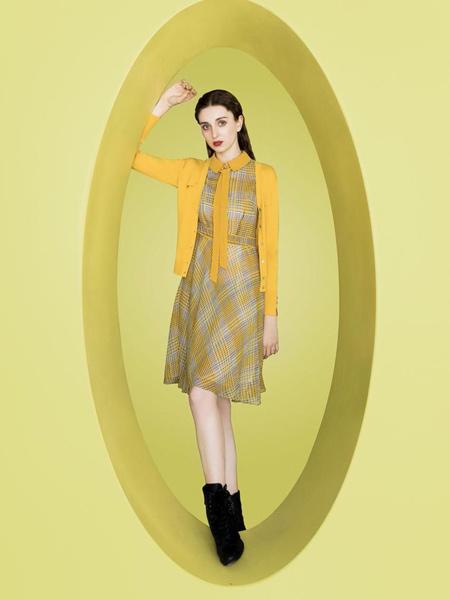 芝仪女装品牌2019秋季新款收腰洋气韩版显瘦中长款连衣裙