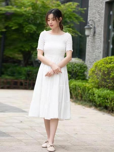 ISSUE亦抒女装品牌2019春夏新款休闲时尚收腰修身褶皱纯色气质连衣裙