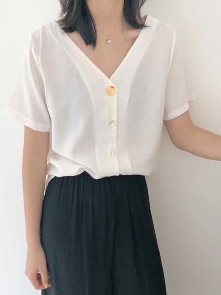 木丝语女装品牌2019春夏新款韩版宽松百搭排扣后绑带短袖上衣