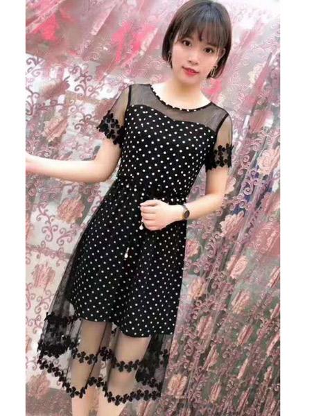 欧朴树女装品牌2019春夏新款流行时尚收腰显瘦黑色蕾丝连衣裙