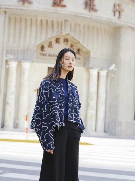 音色女装品牌2019秋季新款宽松韩版时尚淑女碎花外套