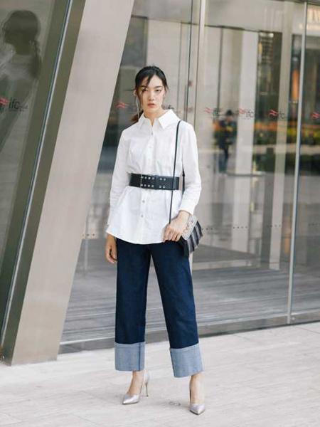音色女装品牌2019秋季新款个性减龄百搭黑色腰带装饰衬衣上衣