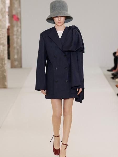 莲娜丽姿女装品牌2019秋季新款宽松休闲百搭条纹修身西装连衣裙