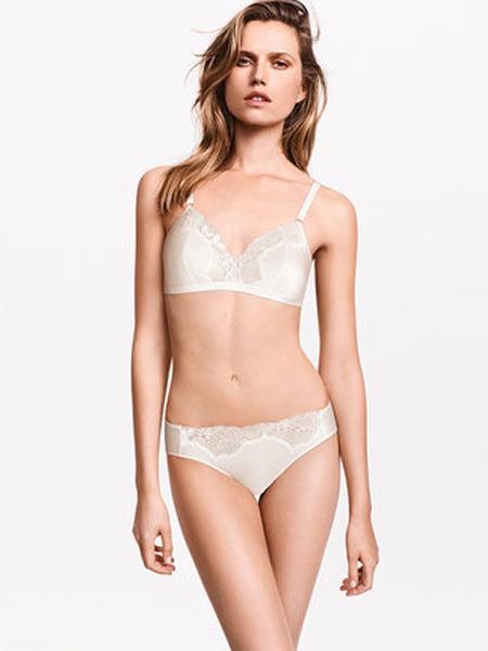 Wolford内衣品牌2019春夏超厚款小胸聚拢调整型无钢圈文胸罩上托