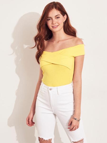 Hollister霍利斯特休闲品牌2019春夏新款小性感露肩一字领交叉针织上衣
