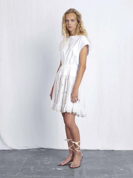 Chloe蔻依女装品牌2019春夏新款白色简约舒适个性休闲百搭连衣裙