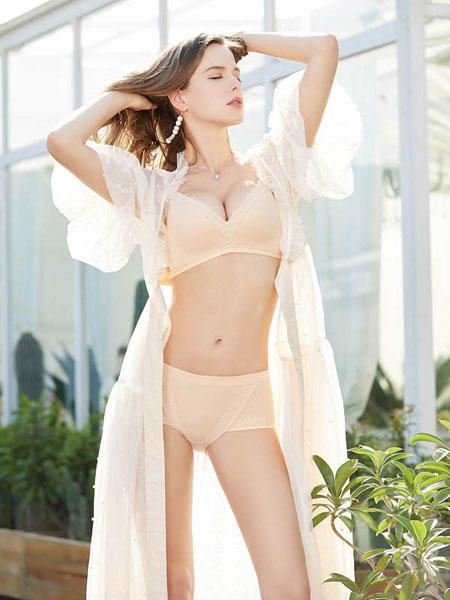 亲闺密语女装品牌2019春夏无痕聚拢无钢圈调整型性感文胸罩套装