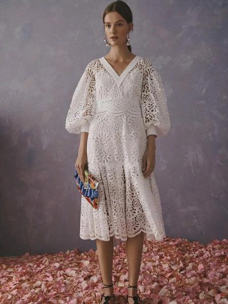 Carolina Herrera卡罗琳娜・海莱娜女装品牌2019春夏新款时尚白色V领镂空连衣裙