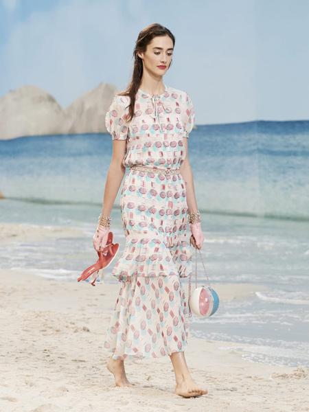 CHANEL香奈儿女装品牌2019春夏新款泡泡袖复古印花修身显瘦连衣裙