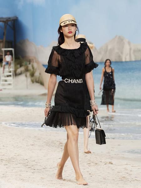 CHANEL香奈�号��b品牌2019春夏新款�r尚修身�@瘦�B衣裙