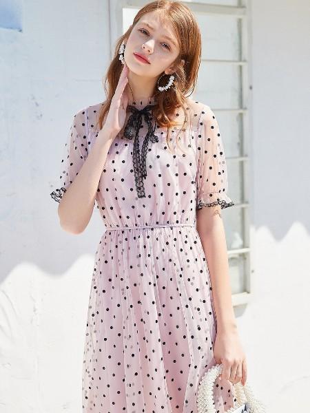 戈蔓婷女装周周有新款 打造新的时尚气息