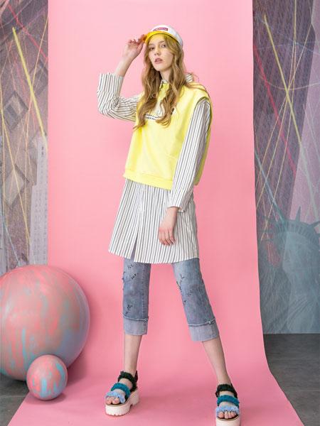 MOOSY女装品牌2019春夏新款气质无袖印花马甲上衣配条纹衬衣裙时尚两件套