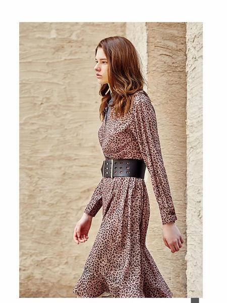 伊纳芙女装品牌2019秋季新款韩版显瘦束腰印花连衣裙