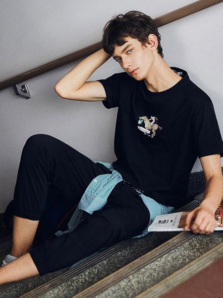 马克华菲男装品牌2019春夏新款韩版潮流印花圆领打底衫半袖上衣短袖t恤