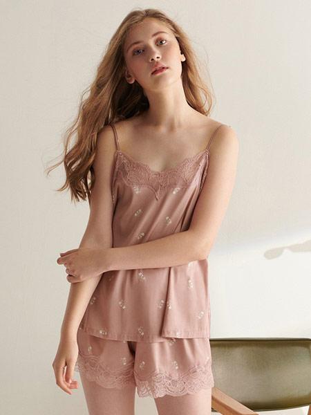 润微内衣品牌2019春夏新款蕾丝V领露背吊带套装冰丝两件套家居服睡衣套装