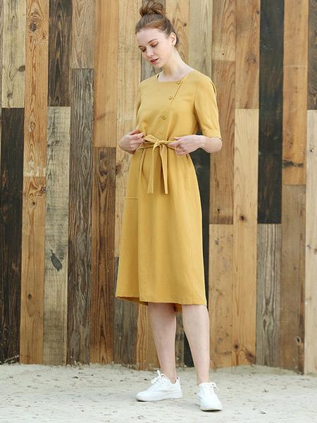 阿菁娜-A.JINGNA女装品牌2019春夏新款时尚纯色连衣裙短袖修身名媛气质收腰长裙